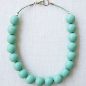 Bauble on suede mint